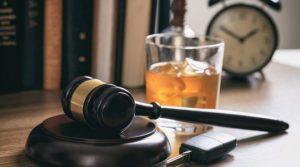 """""""Los abogados suelen tener horarios exigentes y grandes cargas de trabajo, lo que puede contribuir a un aumento de los niveles de estrés"""""""
